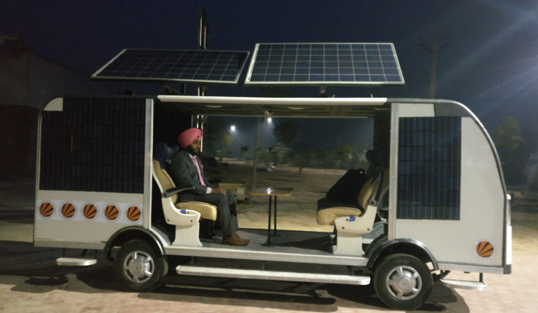 solar powered bus, Smart bus, Punjab students, driverless bus, Car Bikes News