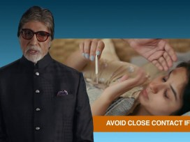 Amitabh Bachchan and Abhishek Bachchan get admitted to Nanavati Hospital in Corona, Mumbai.
