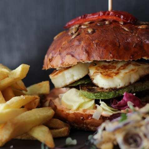 Gram Bistro burger vegetarian halloumi dovlecei