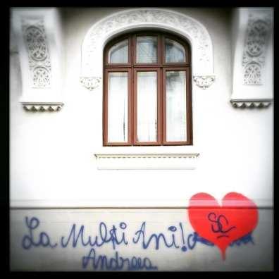 LIST: 25 Lovely Street Art Hearts 💕 in Bucharest