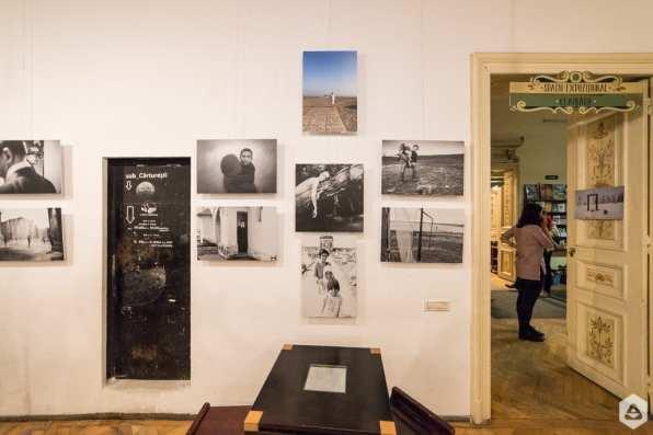 Expozitia Fotopoetica 11 @ Ceainaria Librariei Carturesti (14)
