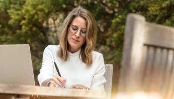 Cum să-ți scrii povestea personală