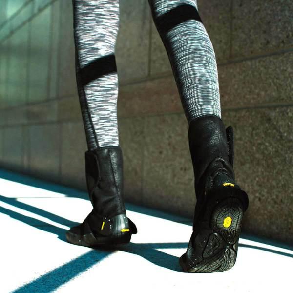 vibram-furoshiki-black-mid-shearling-boots-3