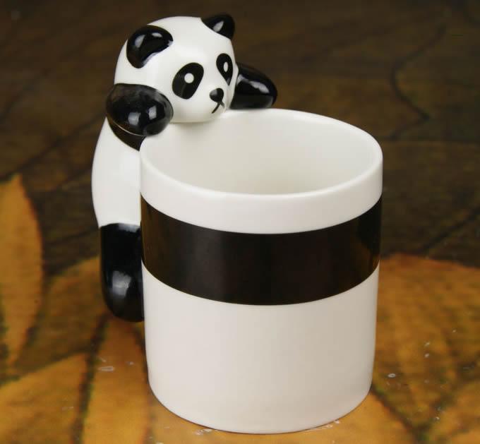 Novelty Climbing Panda Coffee Cup  FeelGift
