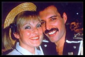 freddie-mercury-mary-austin_garden_lodge