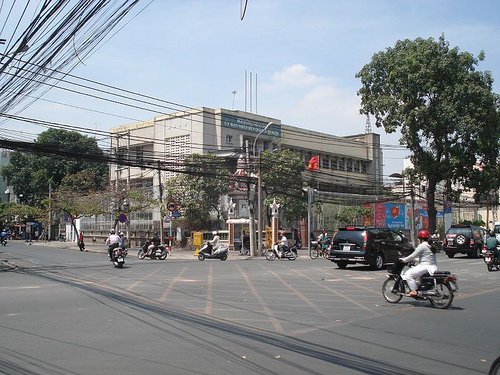 location_Phan_Dinh_Phung_Blvd_Le_Van_Duyet_St_rage