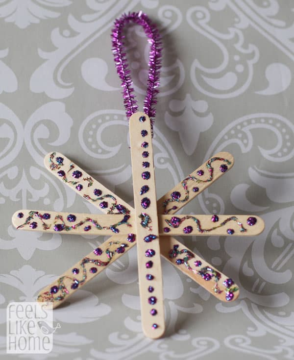 snowflake-ornaments-easy-preschool-craft-purple-dots