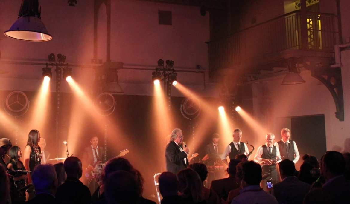 Artiest Lee Towers live band KHN | feestband.com