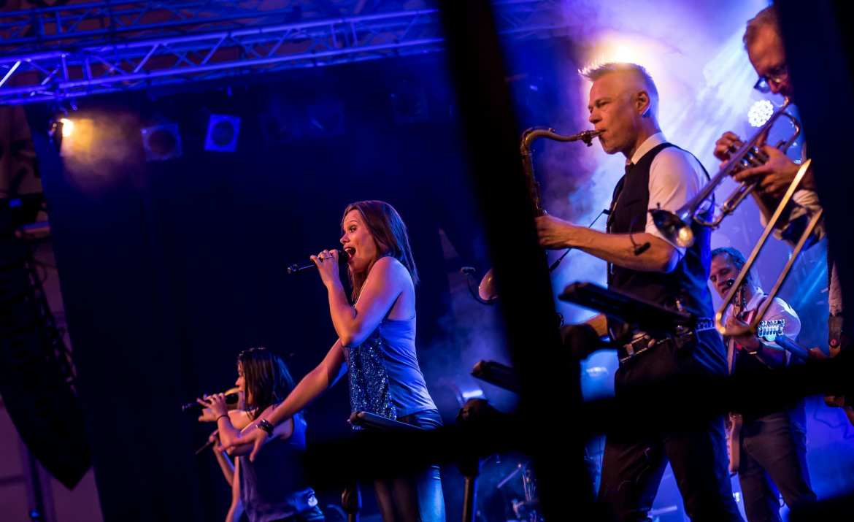 Big Black and Beautiful Live DMG Arjan van Dijk Mandemakers Waalwijk feestband
