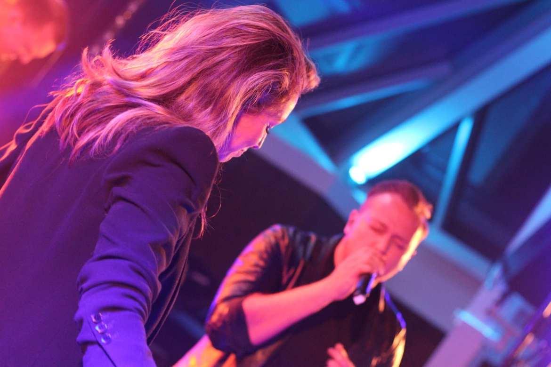 Meyn bedrijfsfeest live vrienden DO en Jamai Hoofddorp | feestband