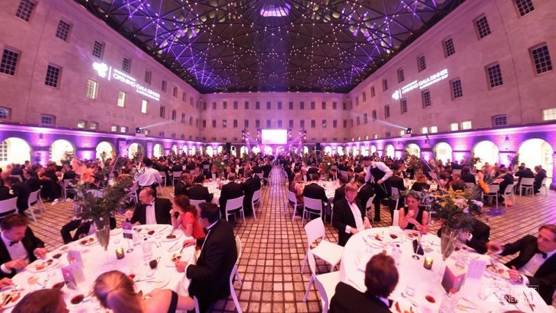 Offshore Energy Opening Gala Dinner en Industry Awards Show 2017 Scheepsvaartmuseum feestband (1)