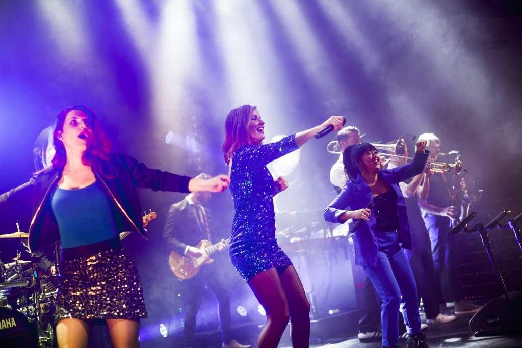 coverband DeBand.NL   foto's Leonie Kuizenga   feestband.com