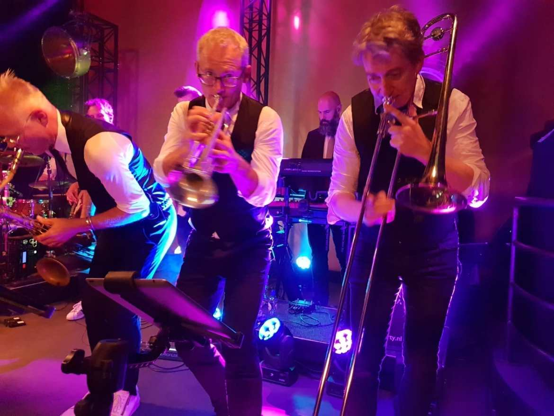 Boskalis meets Shirma Rouse en Boston Tea Party in Antwerpen | feestband.com