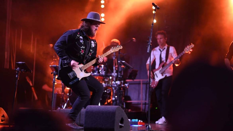 Romy Monteiro, Dave Vermeulen én Boston Tea Party in festival sfeer voor Aeronamic feestband.com