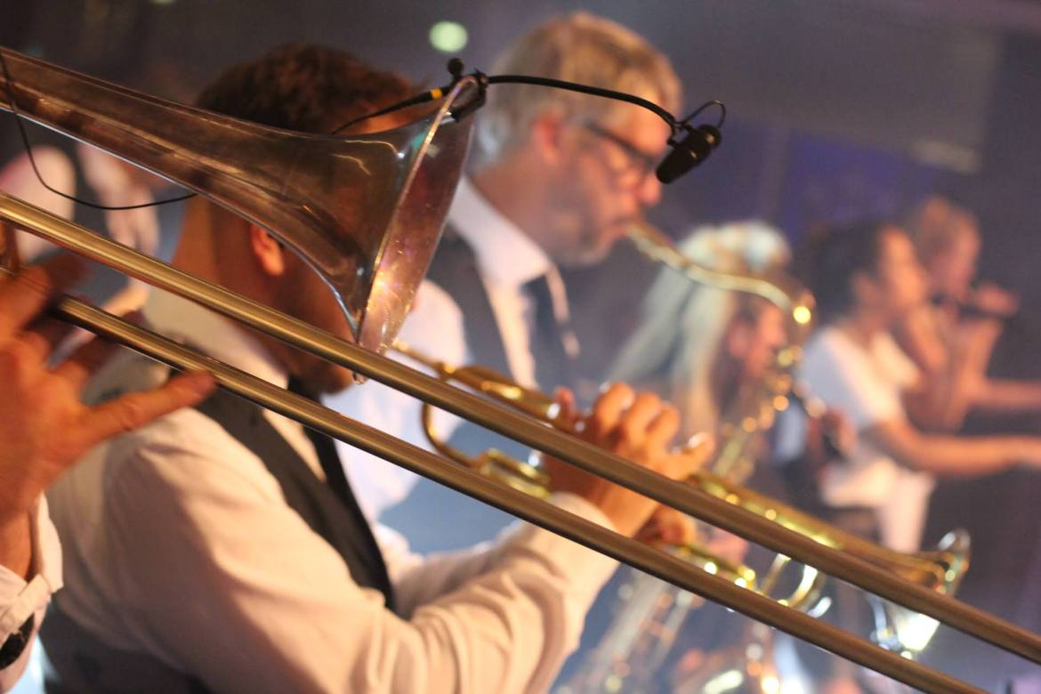 Kemkens viert feest in Foyer Congrescentrum 1931 in Den Bosch | feestband.com