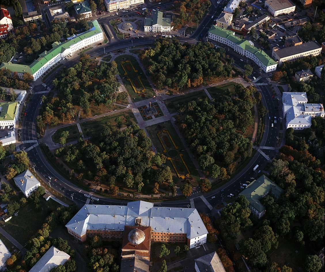 Кругла площа в Полтаві