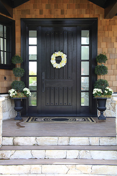 A Guide to Choosing a Front Door Color