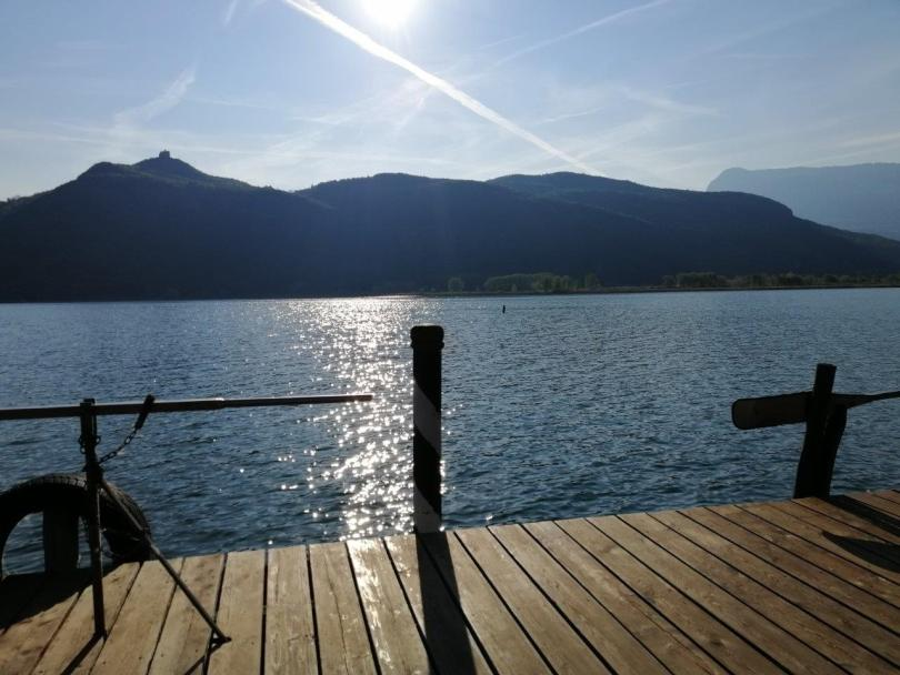 Privatsteg am Kalterer See - pontile privato al lago di Caldaro