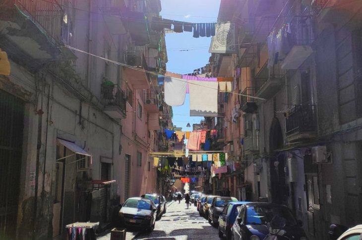Storie verosimili sulla città di Napoli n. 13