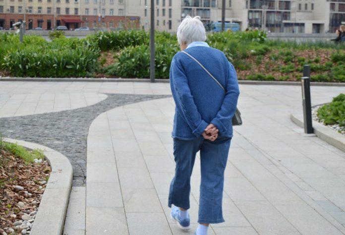 30 minutos de caminhada por dia retarda o envelhecimento