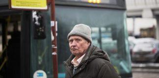 Idosos tem dificuldade de viajar de ônibus de graça