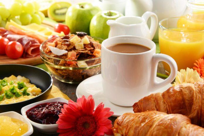 O café da manhã ideal para a terceira idade