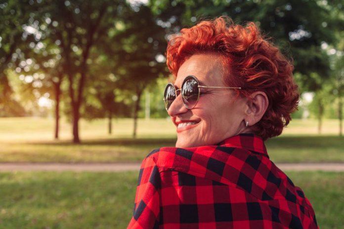 Mitos sobre os cabelos da mulher na terceira idade