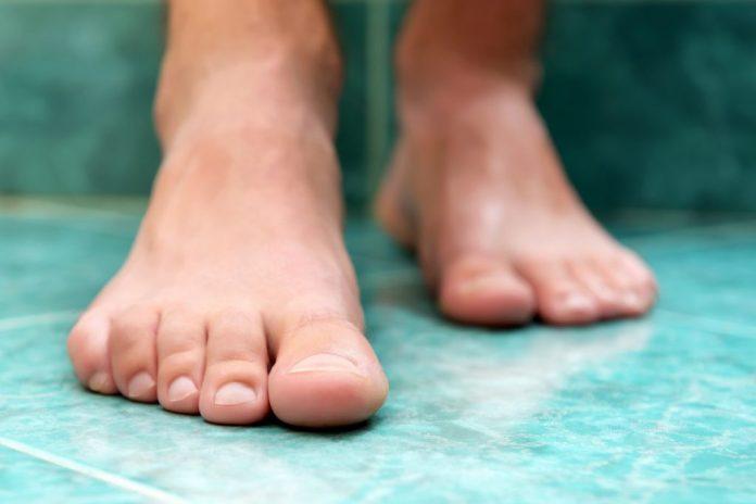 Andar descalço – Conheça 5 importantes benefícios