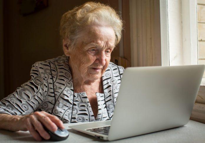 Use na internet na terceira idade dobrou