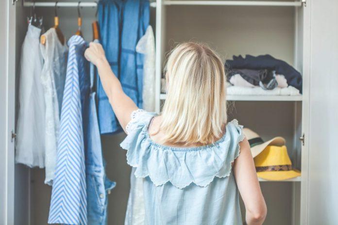 15 dicas profissionais para arrumar o guarda-roupa