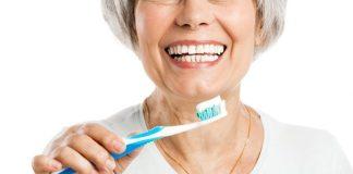 Cuidar dos dentes na terceira idade - 7 dicas importantes