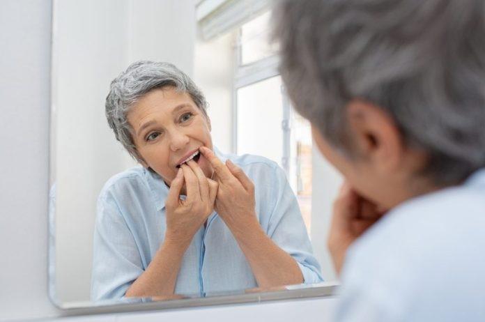 Cuidando dos dentes na Terceira Idade