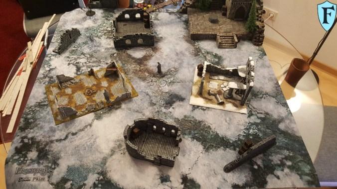 Eine bunte Mischung aus Ruinen von Games Workshop und FantasyStones sorgten für die entsprechende Osgiliath-Atmosphäre