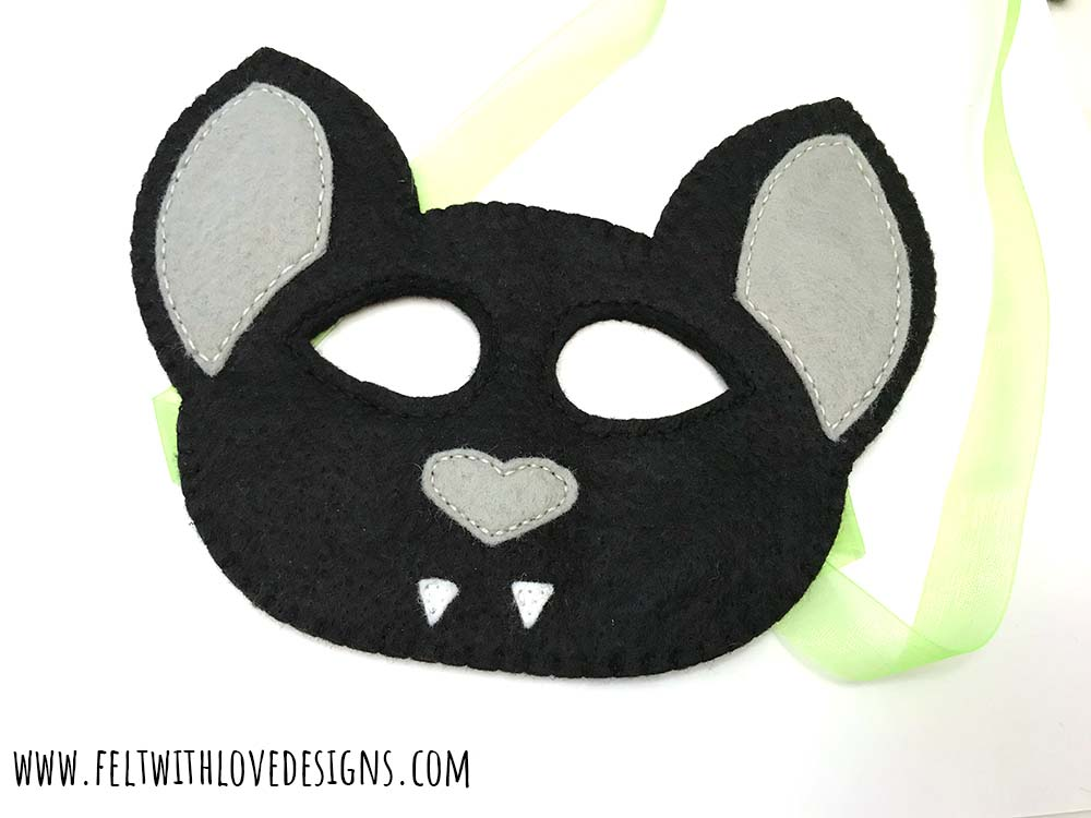 Free pattern: Felt bat mask