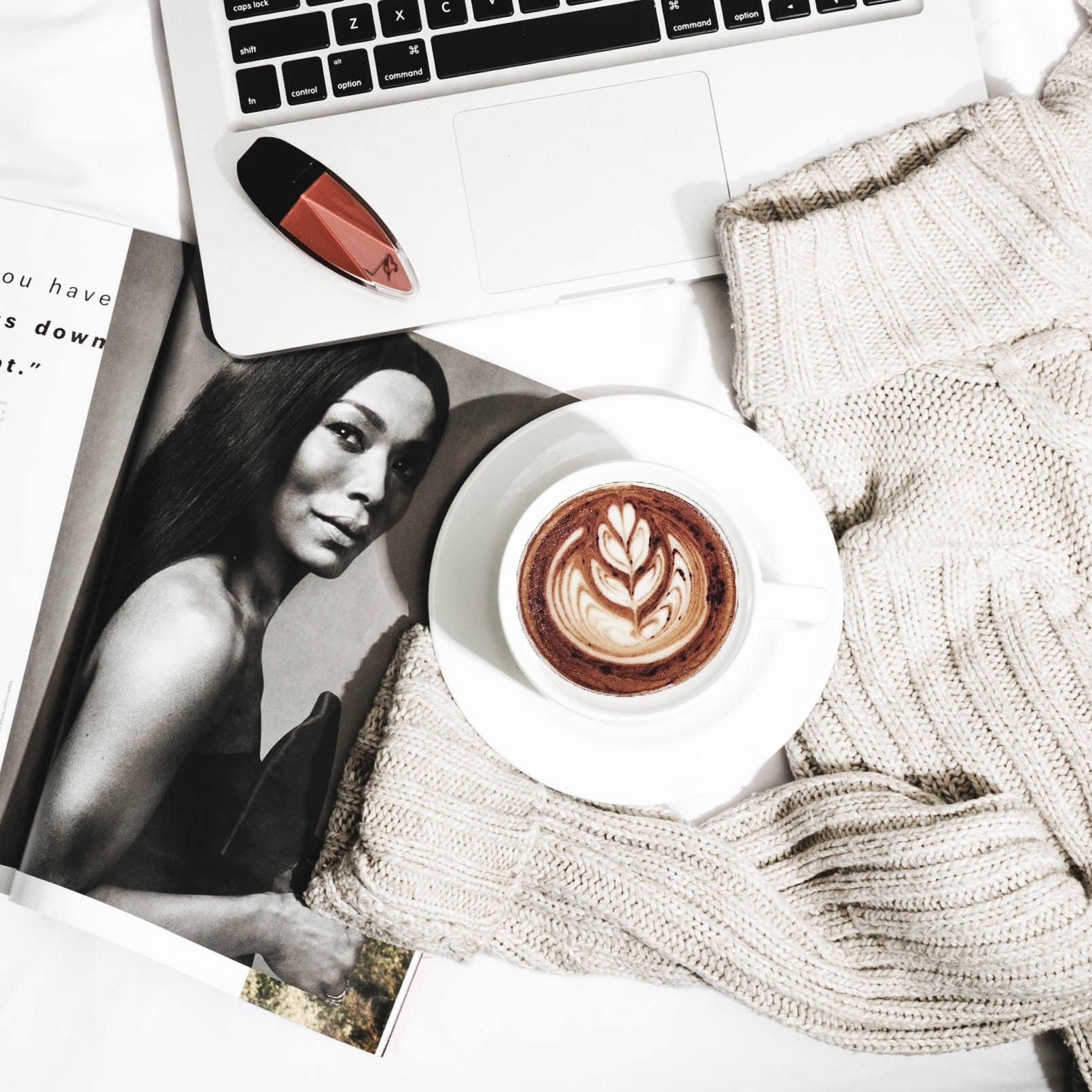 Ten Useful Tips From Experts In Blogging Free Flatlay 5 Jan 2019