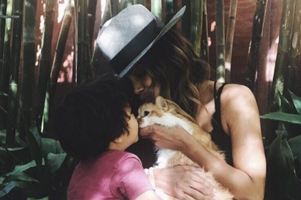 Halle Berry (c) Instagram