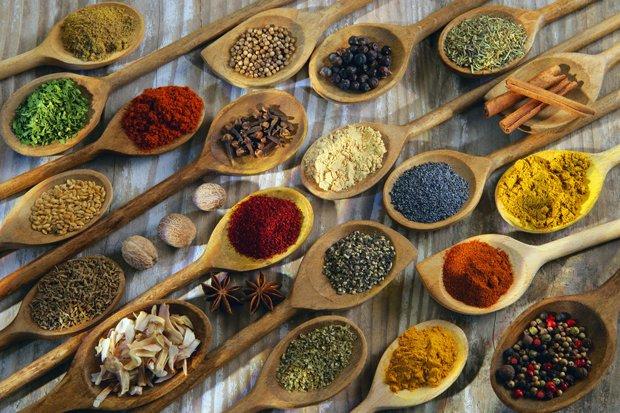 Spezie: tutte le proprietà e i benefici