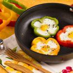 Uova al tegamino nel peperone