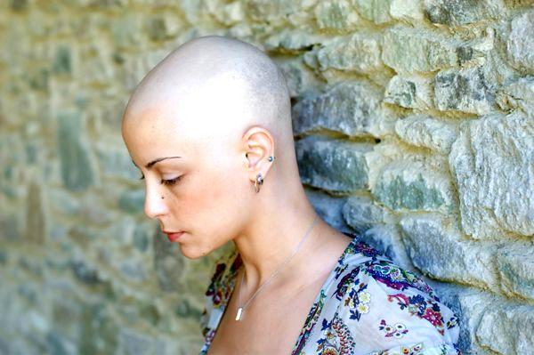 Lotta al cancro: si morirà di meno, ma i casi aumenteranno