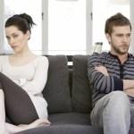 Coppia: 5 segnali per capire se sei troppo attaccata a lui
