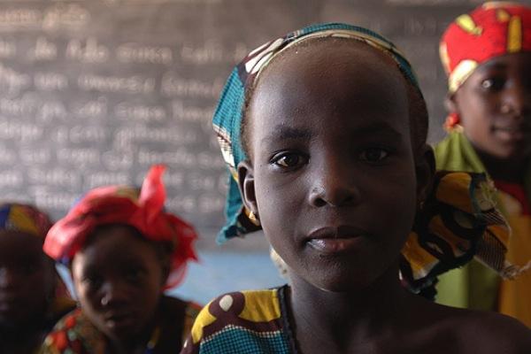 Nigeria, il Senato criminalizza la mutilazione genitale
