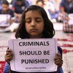 India: Bambina di 3 anni violentata e seviziata con oggetto di legno
