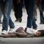"""Olimpiadi 2016: bambini brasiliani uccisi per """"ripulire"""" le città"""