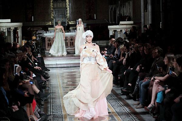Roma-Fashion-White