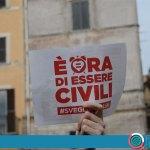 """Manifestazione a Roma su unioni civili: """"Svegliati Italia, è ora di cambiare!"""" (VIDEO)"""