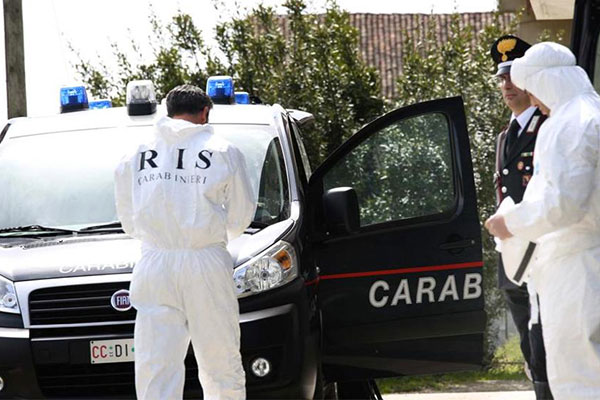 Ennesimo femminicidio in Italia: donna strangolata col cavo del pc all'Argentario