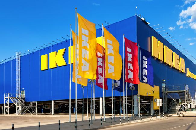 Lavoratori Ikea Corsico protestano contro licenziamento collega