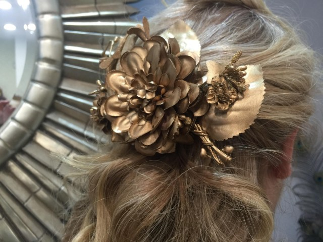 Esther-Palma-Comunicacion-Alma-Luzon-adornos-pelo-oro-viejo-peluqueria-Madrid (7)