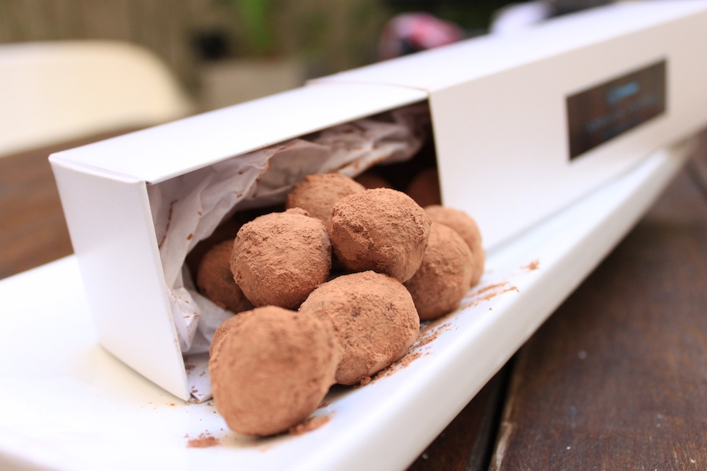 Atelier Pastry enseña a elaborar trufas de chocolate y cardamomo para la mesa dulce de estas fiestas