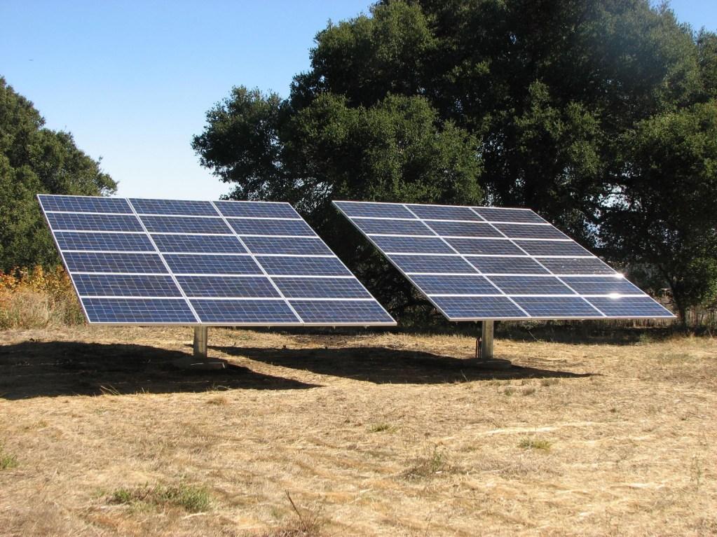Paneles solares como la solución más efectiva para la temporada de cortes de luz